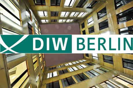 http://www.volker-goebel.biz/DIW_Berlin_Innenhof_Prof_Dr_Kemfert_460px.jpg